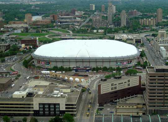 Color image of the Hubert H. Humphrey Metrodome, Minneapolis, 2007.