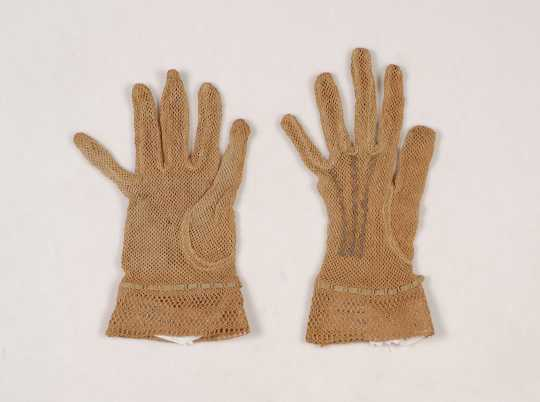 Drab cotton gloves