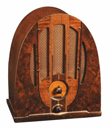 Color image of a Philco model 37-84 electric table radio with arched cathedral-style case, ca. 1930–1939.