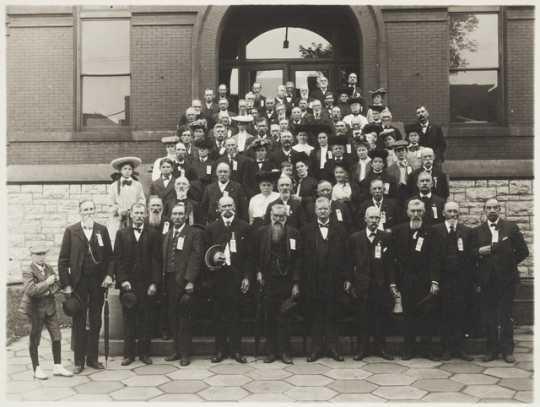 Black and white photograph of Seventh Minnesota veterans, 1905.