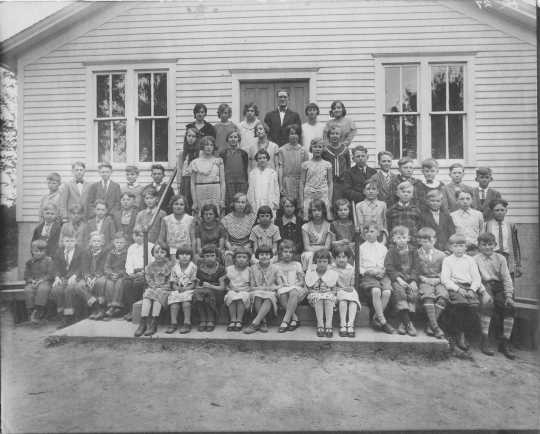 Photograph of St. Peter's Lutheran School near Watertown c.1920s. Photograph Collection, Carver County Historical Society, Waconia.