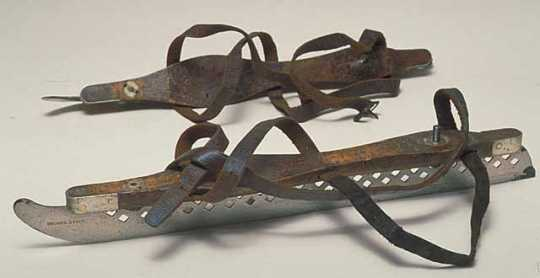 Color image of Strauss skate blades made by J.E. Strauss, 1887–1900.