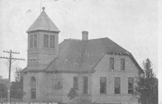 Photograph of Norwood public school in 1903. Photograph Collection, Carver County Historical Society, Waconia.