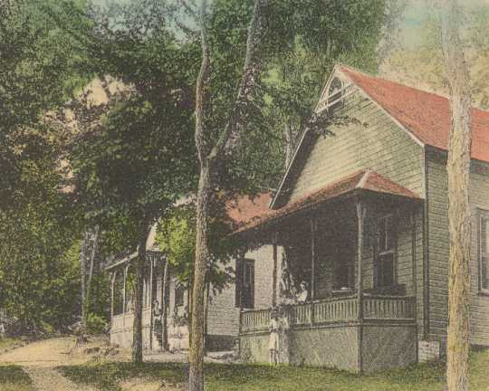 Cottages at Coney Island Hotel