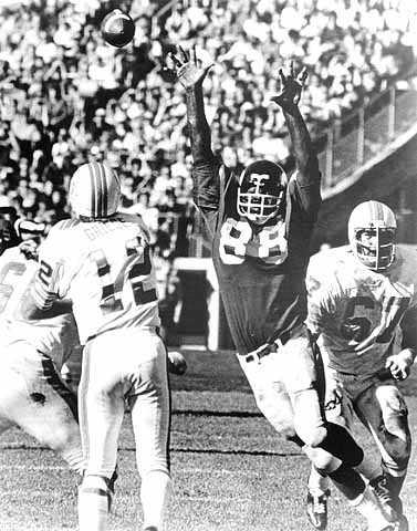 Color image of Alan Page (#88) of the Minnesota Vikings, ca. 1975.