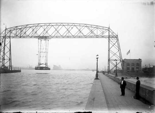 Aerial ferry bridge at Duluth