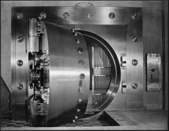 Vault inside Northwestern National Bank, Minneapolis, ca. 1930