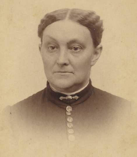 Photograph of Augusta Eunice Maria Osgood Onstine