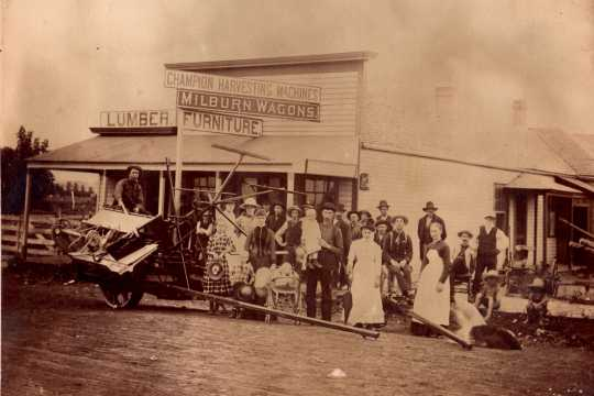 Black and white photograph of Frank Riples' store, Avoca, 1887.