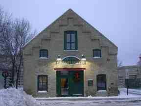 Color photograph of Chaska History Center (Brinkhaus Livery Stable).
