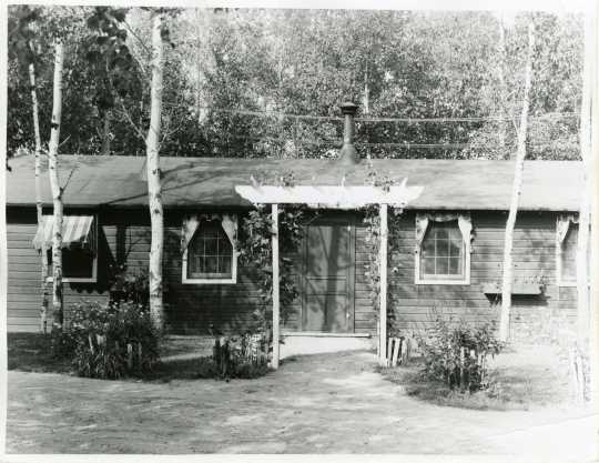 Exterior view of a building at Camp Rabideau, ca. 1930s. Used with the permission of the Beltrami County Historical Society.