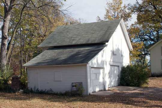 Color image of the carriage house on the Harrington-Merrill House historic property, 2011.