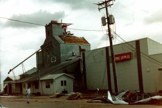 A grain elevator in Chandler after the Chandler–Lake Wilson Tornado, June 1992.