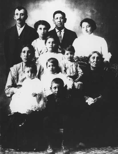Picture of the Chase family