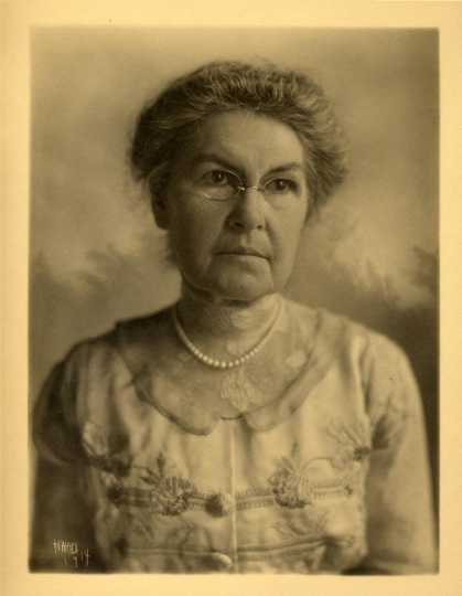 Black and white photograph of Clara Bannister Congdon, 1914.