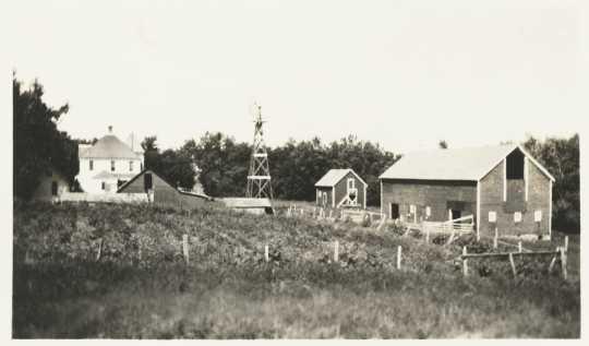 Black and white photograph of Jacob DeMong Farm, Murray County, ca. 1910.