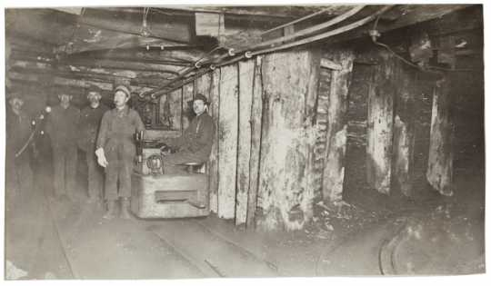 Miners transporting ore, Chisholm