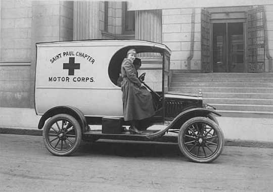 Black and white photograph of Red Cross Motor Corps truck, St. Paul, 1918.