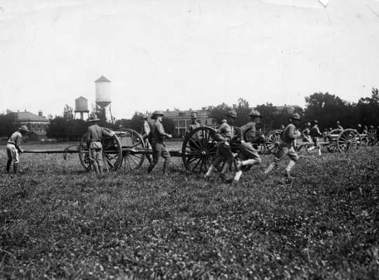 Black and white photograph of artillery maneuvers at the Officers' Training Camp, Fort Snelling, 1917.