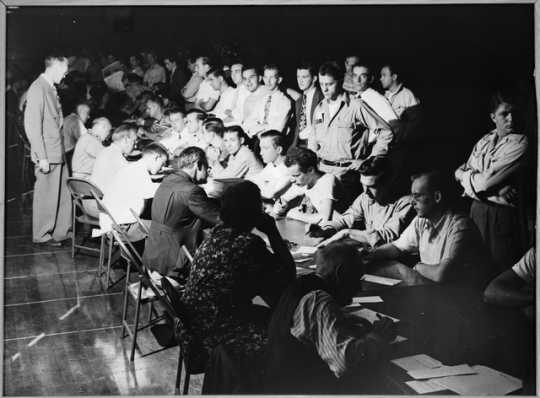 Draft registration at the Minneapolis Armory