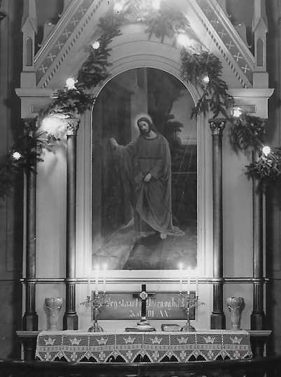 Photograph of an altar painting in Elstad Lutheran Church by Herbjorn Gausta