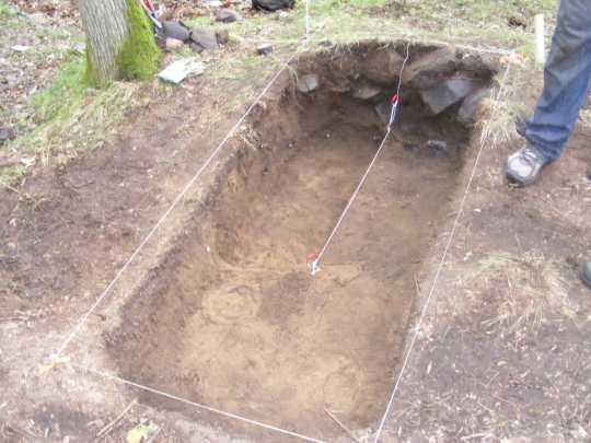 Color image of the excavation unit at Réaume site, 2011.