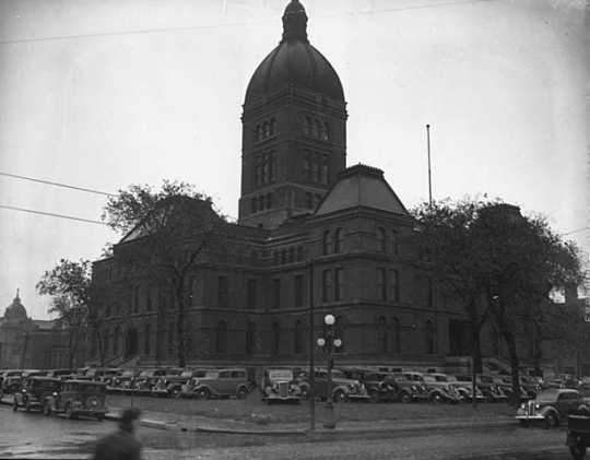 Black and white photograph of the second state capitol prior to demolition, 1937. Photographed by the Minneapolis Star Journal.