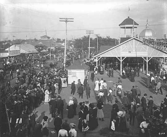 Black and white photograph of crowd at the Minnesota State Fair, c. 1910.