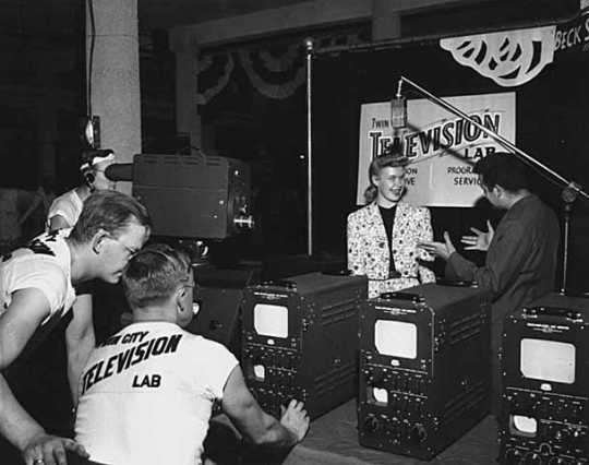 Black and white photograph of Twin City Television Lab broadcasting at the Minnesota State Fair, 1947.