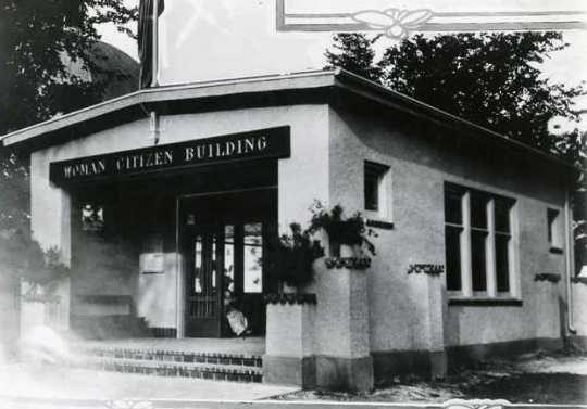 Black and white photograph of the Woman Citizen Building, 1917 Minnesota State Fair.
