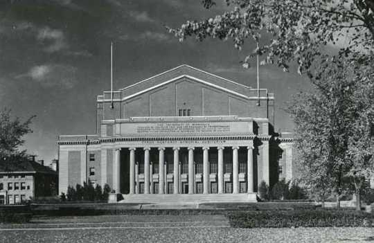 Black and white photograph of Northrop Auditorium, at the head of Northrop Mall, University of Minnesota Minneapolis campus, 1940.