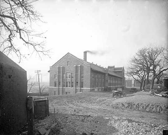 Mines Experiment Station, 1923. The station at the University of Minnesota-Twin Cities was key in the commercialization of taconite under the direction of E. W. Davis.