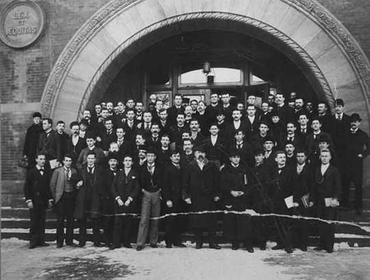 Black and white photograph of University of Minnesota Law School graduates, 1894.