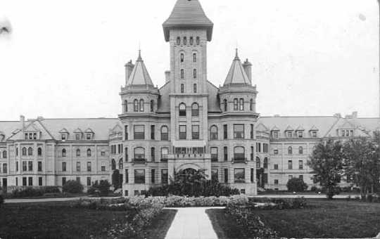 Main Building, Fergus Falls, Fergus Falls State Hospital
