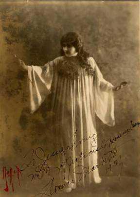 Black and white studio portrait of Florence Macbeth, 1917.