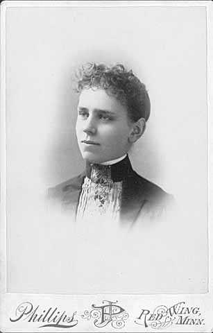 Black and white photograph of Frances Densmore, age eighteen.