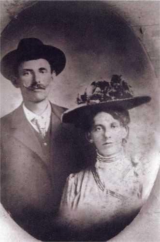Black and white wedding portrait of Frank and Sophia Schott, June 25, 1909.