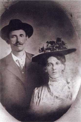 Black and white wedding portrait of Frank and Sophia Schott, June 25, 1909.
