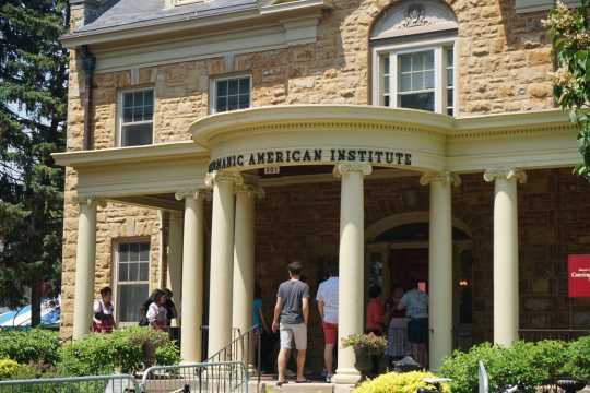 Visitors entering the Germanic-American Institute.