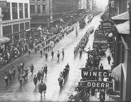 Labor Day Parade, Nicollet Avenue, Minneapolis, 1909.