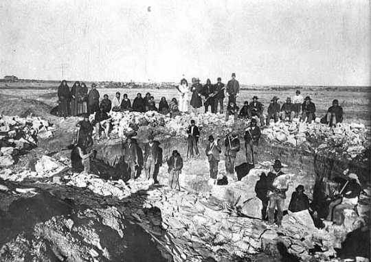 Black and white photograph of Indians at Pipestone quarry, 1893.