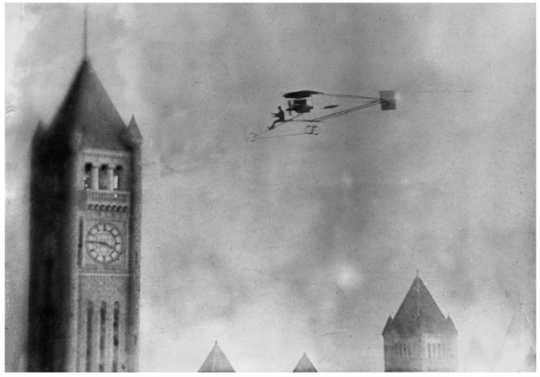 First airplane flight over Minneapolis