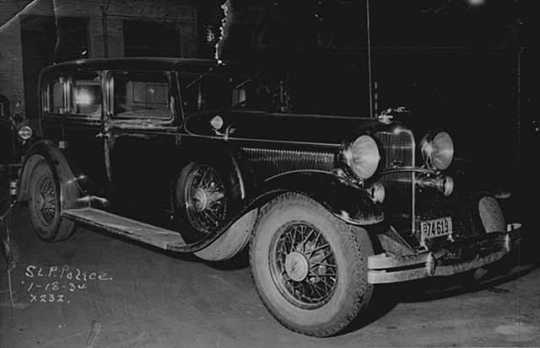Edward G. Bremer's 1932 Lincoln sedan