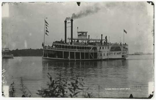 Steamer City of St. Louis on Lake Minnetonka