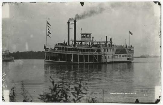 Steamer City of St. Louis on Lake Minnetonka
