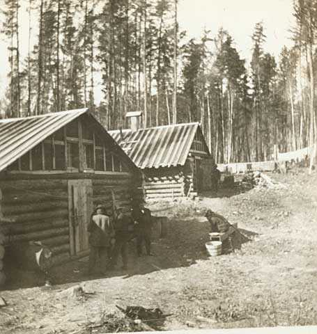 Camp for workers laying tracks for the Virginia and Rainy Lake Railway north of Virginia, 1902.