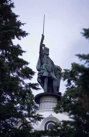 Color image of the Hermann Monument, New Ulm, 2001.