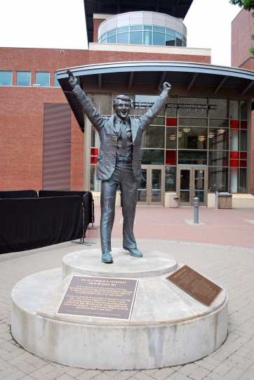 Color image of Herb Brooks statue at St. Paul's River Centre. Photographed by Flickr user Bri Weldon on June 5, 2011.