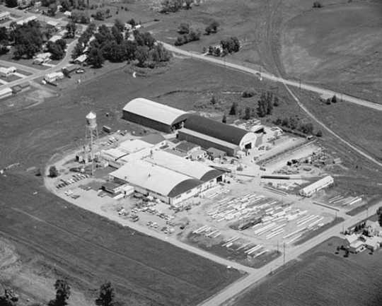 Black and white aerial photograph of the Weyehaeuser Company, Albert Lea, MN, 1972.