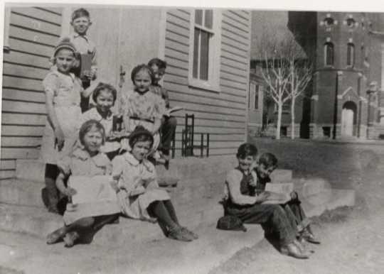 Schoolchildren in Wilno